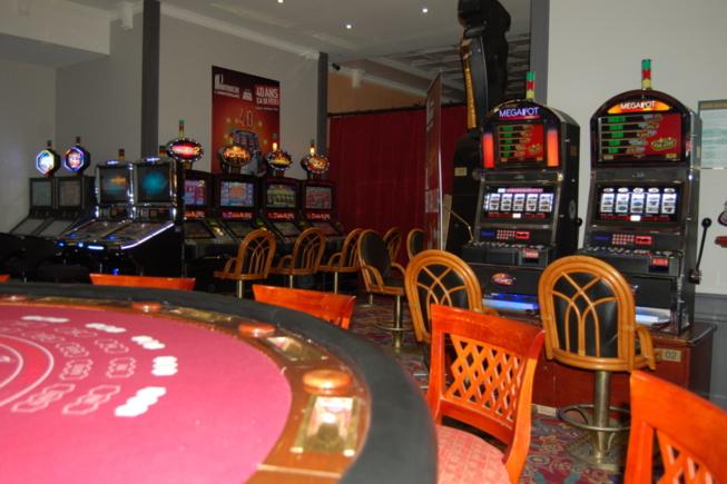 Play strip blackjack online