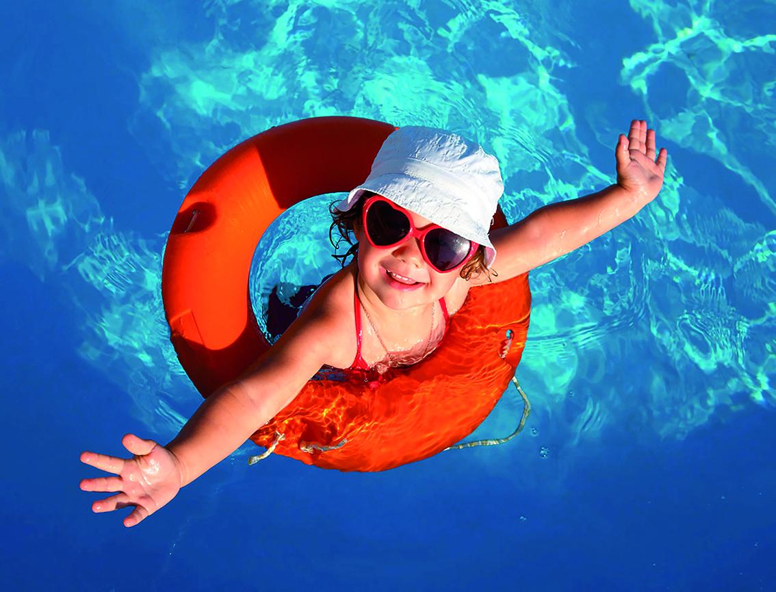 Apprendre nager son enfant for Piscine pour apprendre a nager