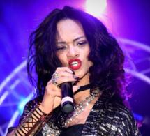 Rihanna et Mike Brant au même endroit, comme si c'était les vrais !